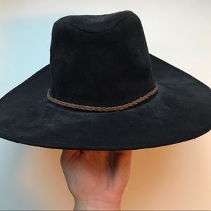 Wide Rim Black Hat (Never Been Worn)